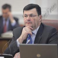 Александр КВИТАШВИЛИ: «Здравоохранение — не ГАИ, где можно уволить сразу всех и набрать новых...»
