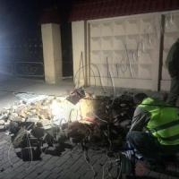 Зруйновано площу, побито ректора...