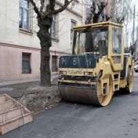 Горезвісну вулицю Богдана Хмельницького підлатали