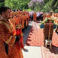 Хресна хода об'єднала дві тисячі вірян