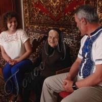 На 103-й день народження — квіти й подарунок від народного депутата