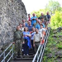 Лісівники і депутати навели лад біля підніжжя Невицького замку