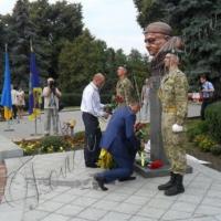 Легендарний прикордонник постав у пам'ятнику