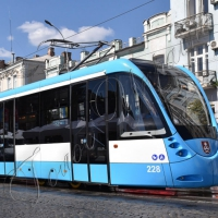 Трамвай для людей на візках