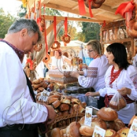 На «Святі хліба» частували  козацькими стравами