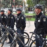 Їхали патрульні на велосипедах…