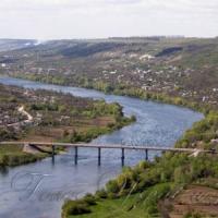 Два мости через Дністер: реальний і уявний