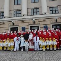 35 Дідів Морозів відвідали запорізьких дітей з обмеженими можливостями