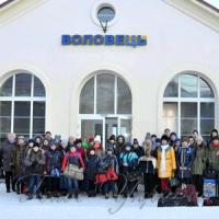 Школярів прифронтової зони радо зустрічають у Карпатах
