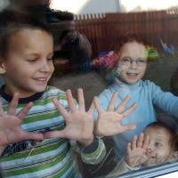 Маленьким хмельничанам збільшують розмір допомоги та пільг