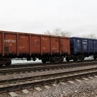 Залізничні (на)піввагони: напівдиряві, напівзручні
