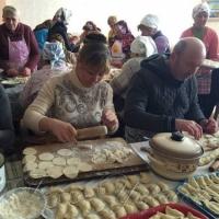 15 тисяч пирогів ліпили всім селом
