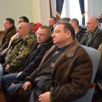 Засідання Житомирського міськвиконкому розпочалося з вручення документів на житло