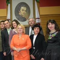 У Черкасах вимагали не скорочувати уроки української літератури
