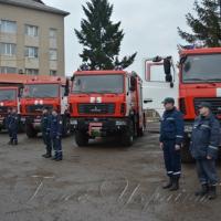 Парк закарпатських рятувальників посилили 5 сучасними спецавтомобілями