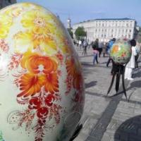 Столицю прикрашають до Великодня і запрошують гостей на Софійську площу