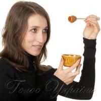 Пам'ятайте: у недозрілий мед можуть додавати борошно чи крохмаль