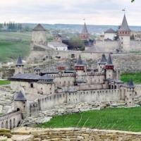 Построили замки-миниатюры