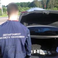 ...митник у машині возив хабара