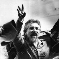 24 серпня 1991 року — мітинг біля будівлі парламенту,
