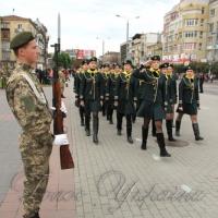 До Дня захисника України в Івано-Франківську відбувся парад учнівської молоді