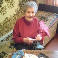 Сто шкарпеток для захисників від бабусі Галі