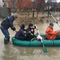 Закарпаття: велика вода поволі спадає