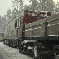 Сніг ускладнив доставку буряків на заводи