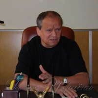 «Голос України» читатимуть у госпіталях