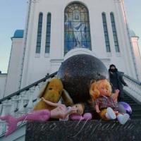 До храмів несуть ляльки