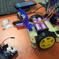 ...роботів створюватимуть школярі