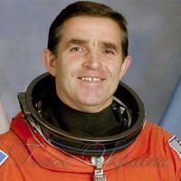 Увічнити пам'ять астронавта