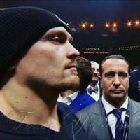 Олександр Усик подивився в очі супернику