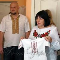 Вишила весільний рушник — і... вийшла заміж