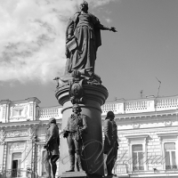 Монументальная пропаганда: на пьедестале палач Петр I и «страстолюбица» Екатерина II