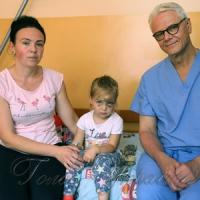Канадські нейрохірурги рятують дітей