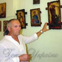 Князь Володимир у вишиванці і з тризубом, ангели серед соняхів і мальв