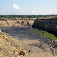 Масштабний нелегальний видобуток вугілля на Луганщині вражає