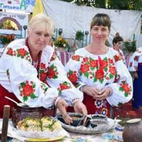 Учасників фестивалю частували борщем