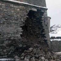 Стародавні мури не витримують