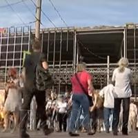 Перекрили проїжджу частину Покровської площі в Сумах...