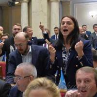Ухвалення в першому читанні мовного законопроекту увінчалося гаслом «Слава Україні!»