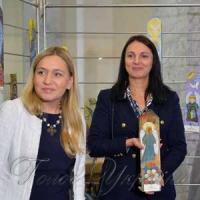 Народні депутати Оксана Юринець та Ганна Гопко під час аукціону «Ангели надії»
