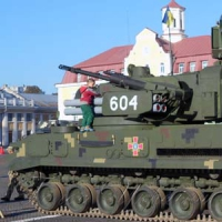 Марш на трофейном танке