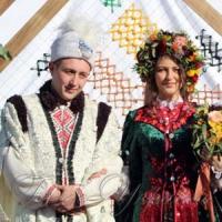 На Покров играли свадьбу