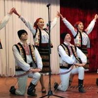 Молдовське вино і вінницькі голубці - на одному столі