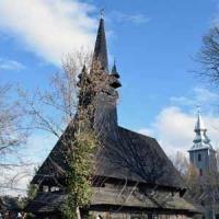 Відновлюють унікальні дерев'яні храми