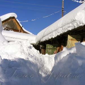 Такого снігу давно не бачили на Прикарпатті