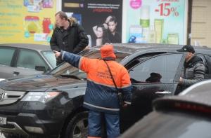 На вулицях Києва з'явилися інспектори з паркування