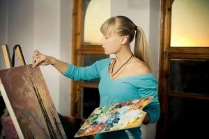 Наївним живописом підкорює Іспанію Одарка Дьома-Пісна